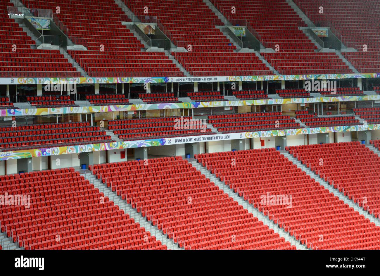 Ein Blick auf die Tribüne im «Stadion Nacional Mane Garrincha», aufgenommen am 09.12.2013 während eines Stadionrundgangs in der brasilianischen Hauptstadt Brasilia. Das Estadio Nacional Mane Garrincha ist eines der Stadien während der Fußball-Weltmeisterschaft 2014 in Brasilien. Foto: Marcus Brandt/dpa - Stock Image