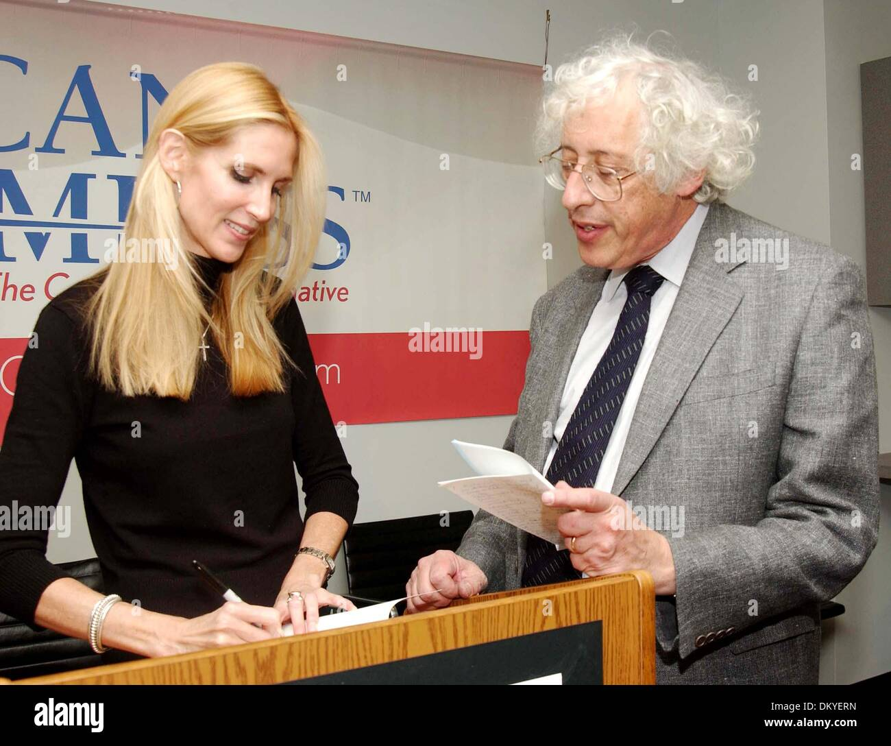 Mar  19, 2002 - New York, NEW YORK - ANN COULTER RECIEVES