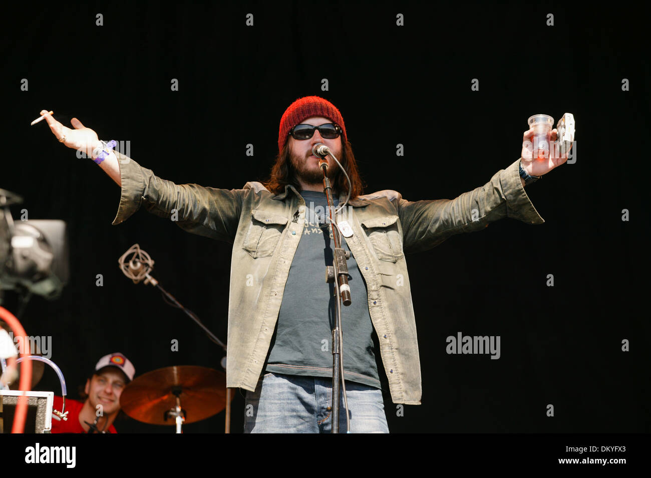 Badly Drawn Boy performing at the Glastonbury Festival 2004 - Stock Image