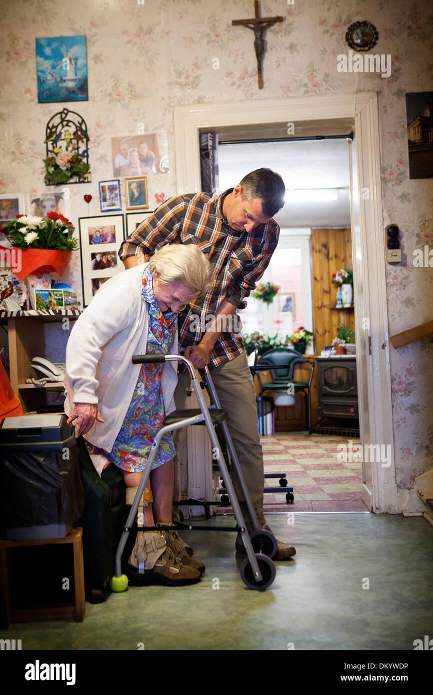 Дом престарелых рэп дом престарелых инвалидов василев майдан список проживающих там стариков