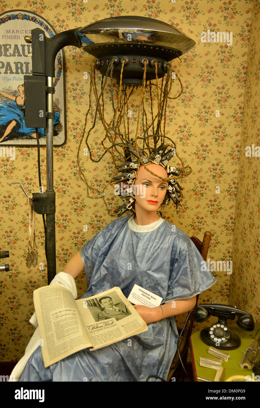 Terrifying 1930s hair curler looks like an instrument of torture in the National Route 66 Museum, Elk City, Oklahoma - Stock Image