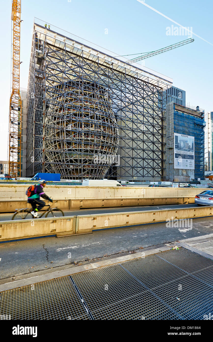 Brussels, Belgium. 10th December 2013. The Europa building construction on december 10, 2013 in Brussels. Europa building, designed by Philippe Samyn & Partners, is the new headquarters of the European Council and the Council of the EU Credit:  Bombaert Patrick/Alamy Live News - Stock Image
