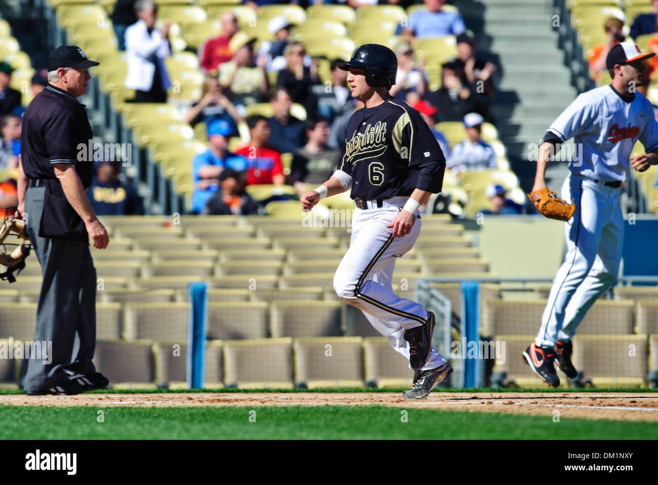 Feb. 28, 2010 - Los Angeles, California, U.S - 28 February 2010:  Vanderbilt's Brian Harris (6) steps on home - Stock Image