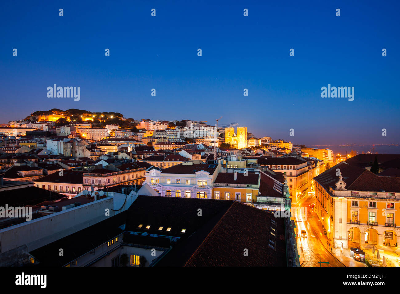 Castelo de Sao Jorge and the Cathedral, Lisbon, Portugal, Europe - Stock Image