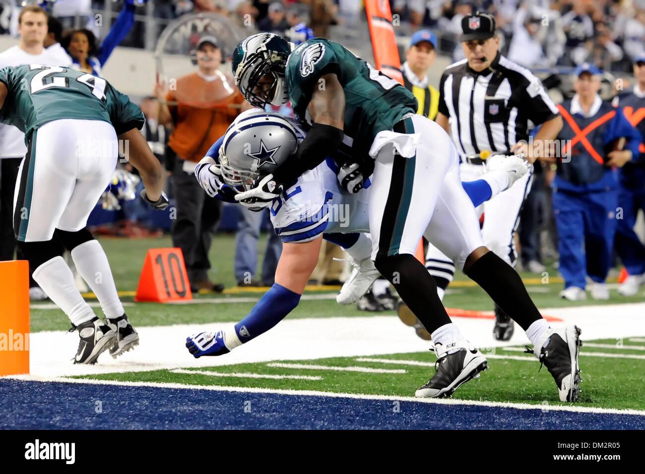 Dallas Cowboys tight end Jason Witten (82) makes a goal line
