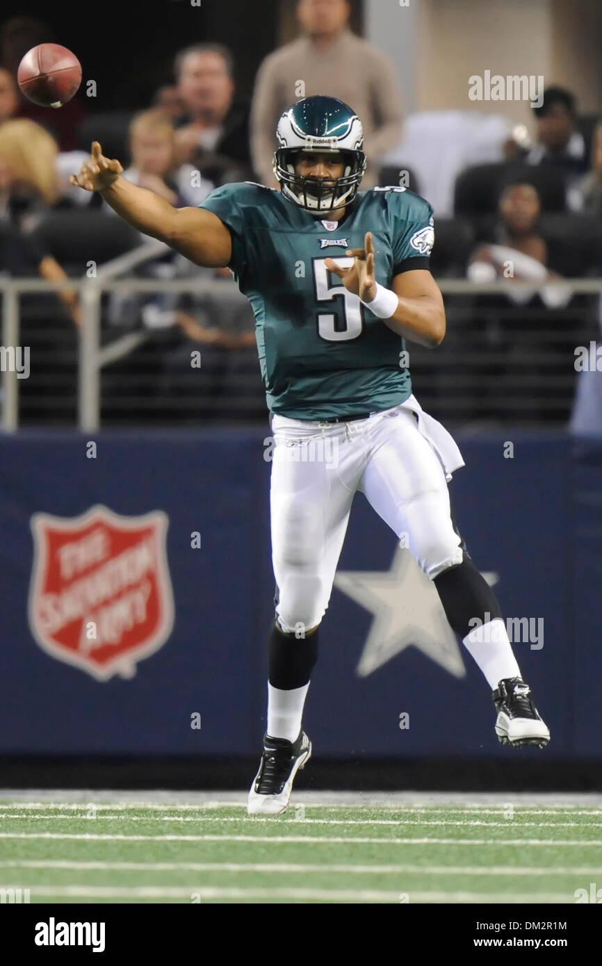 d17dacbd Philadelphia Eagles quarterback Donovan McNabb (5) passes down field ...