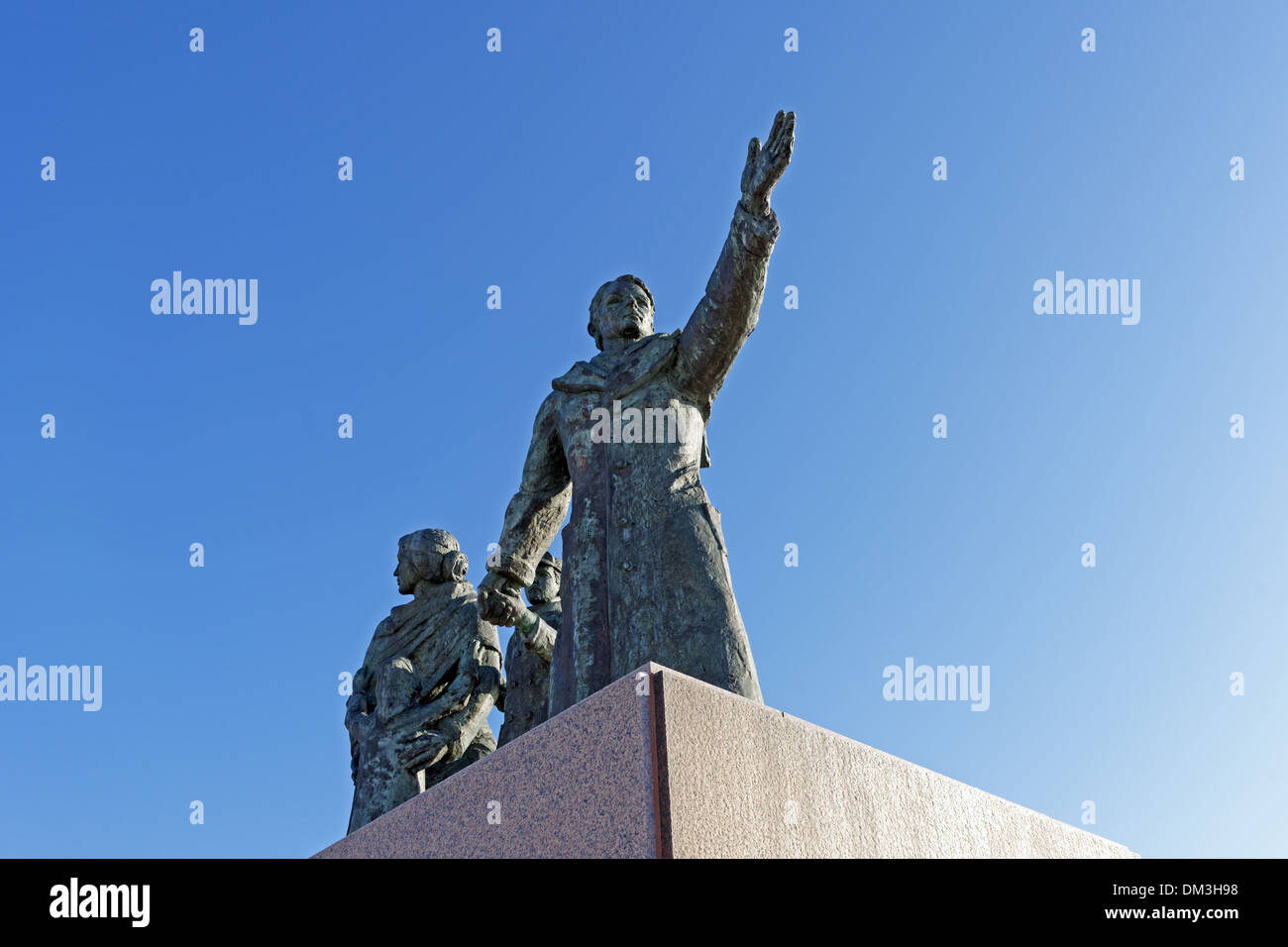 Europe Germany Bremen Bremerhaven Willy Brandt square emigrant's monument emigrant monument detail statues place of interest - Stock Image