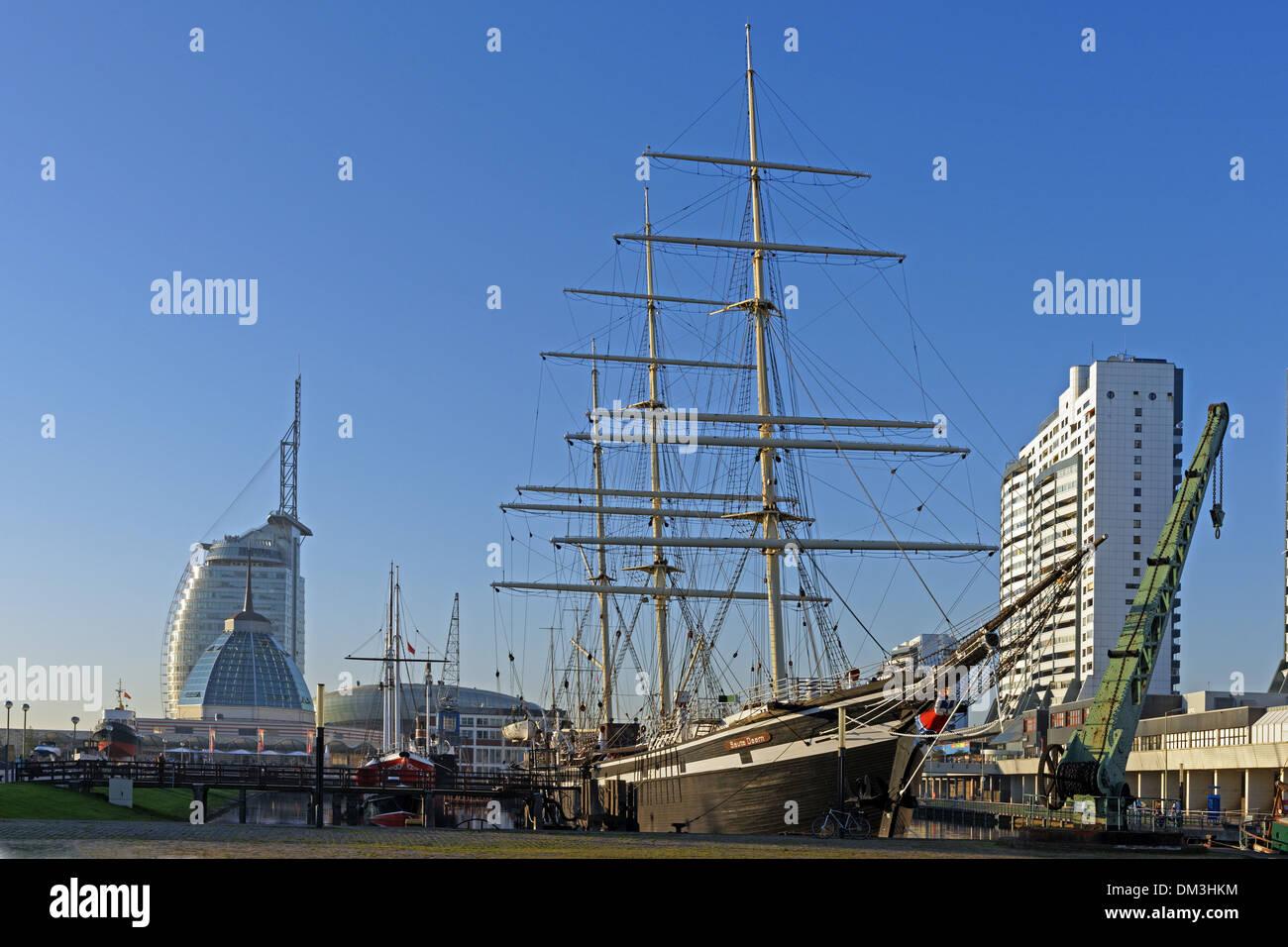 Europe Germany Bremen Bremerhaven Hans Scharoun square museum harbour German navigation museum sail ship SEUTE DEERN Stock Photo
