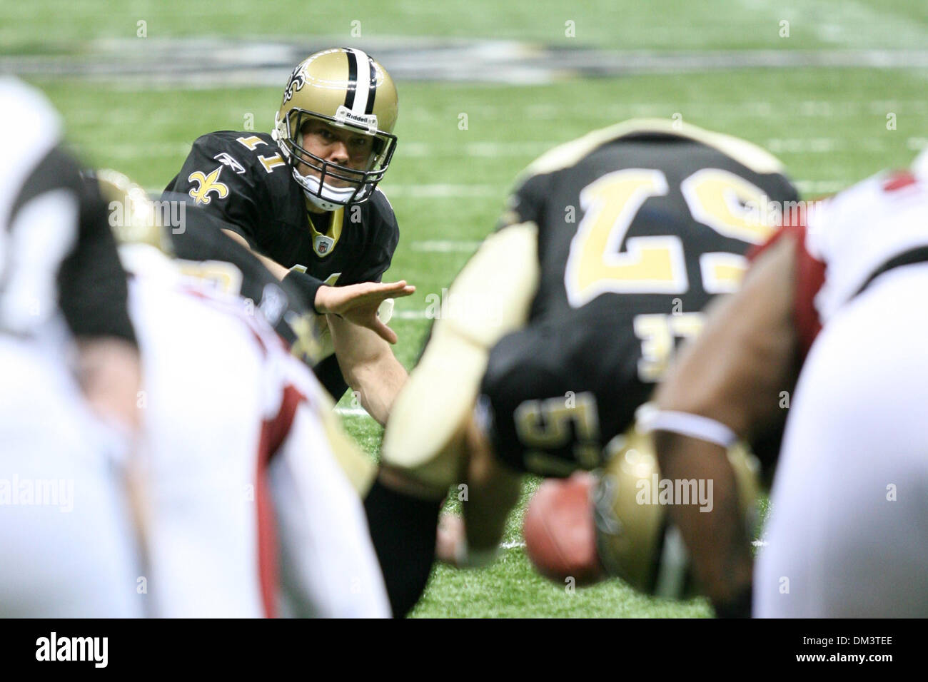 16 January 2010:  Saints backup quarterback Mark Brunell (11) holds the ball for an extra point during game action between the Arizona Cardinals and the New Orleans Saints at the Louisiana Superdome in New Orleans, Louisiana. The Saints won 45-14. (Credit Image: © Donald Page/Southcreek Global/ZUMApress.com) - Stock Image