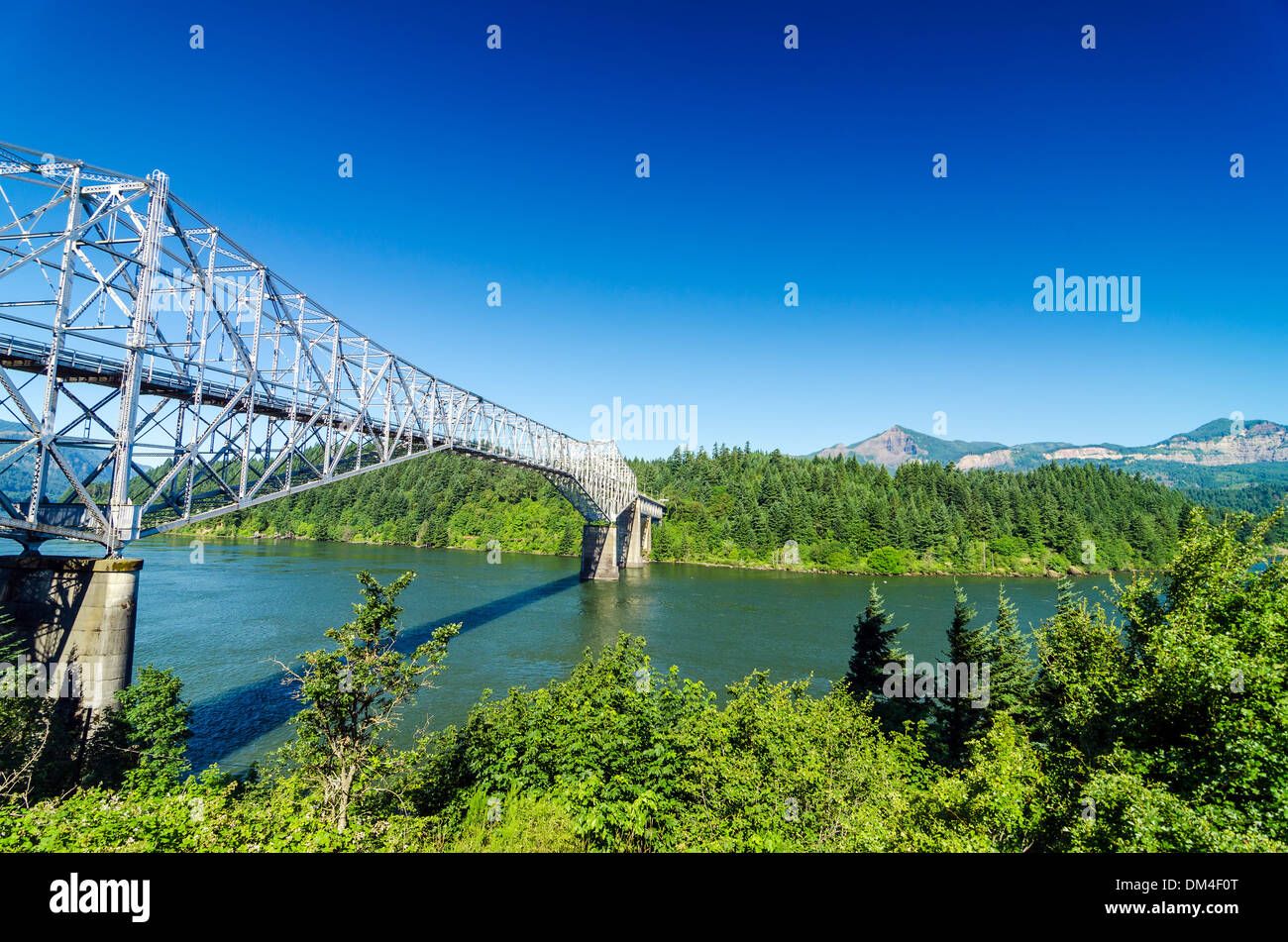 View of the Bridge of the Gods as seen from Oregon crossing the Columbia River into Washington - Stock Image