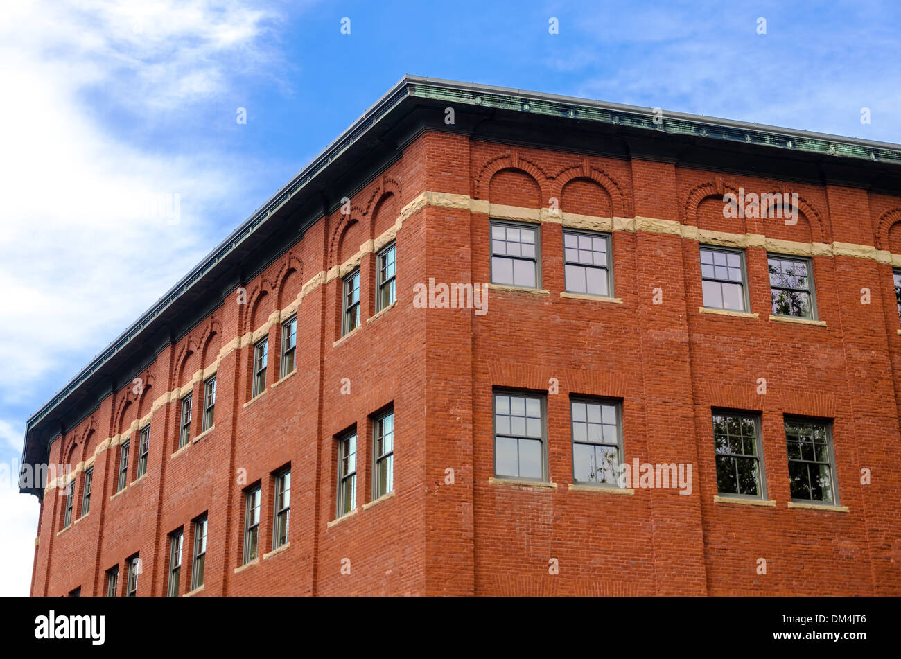 View of an old brick building in the center of Portland, Oregon - Stock Image