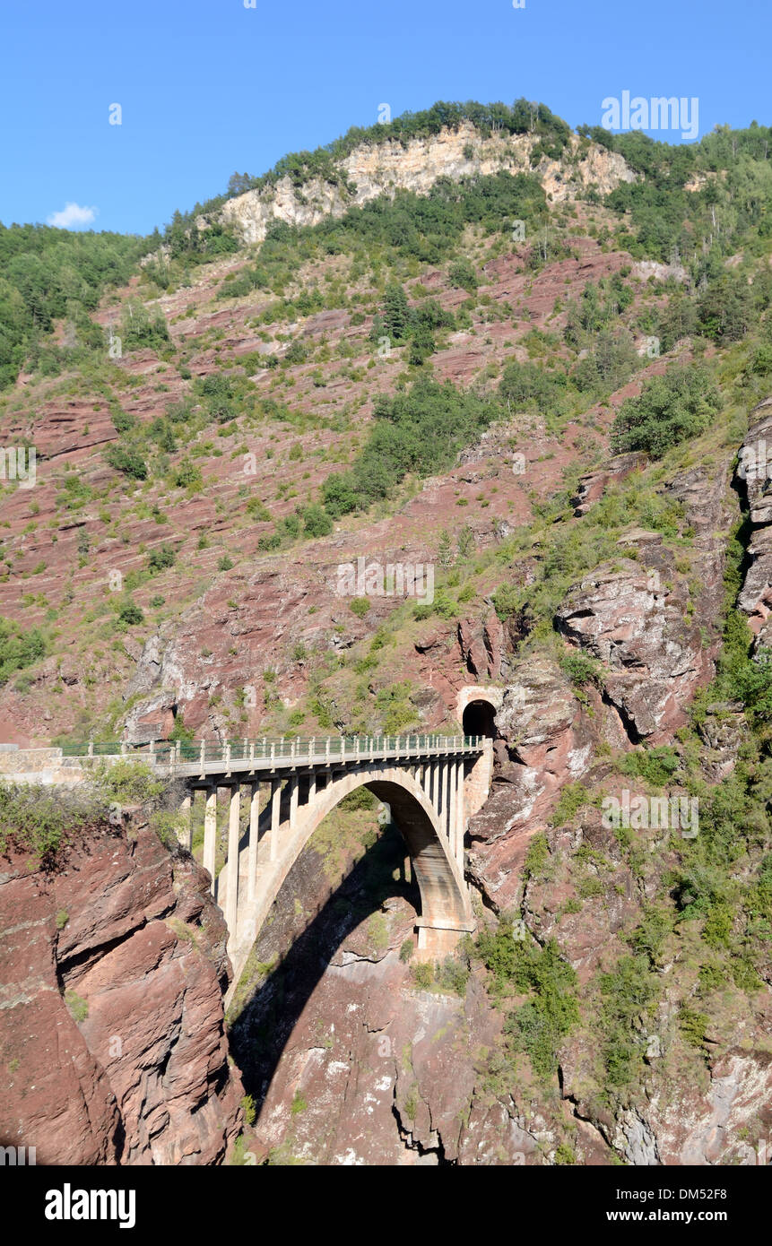 Pont de la Mariée Concrete Bridge over Daluis Gorge Haut-Var Alpes-Maritimes France - Stock Image