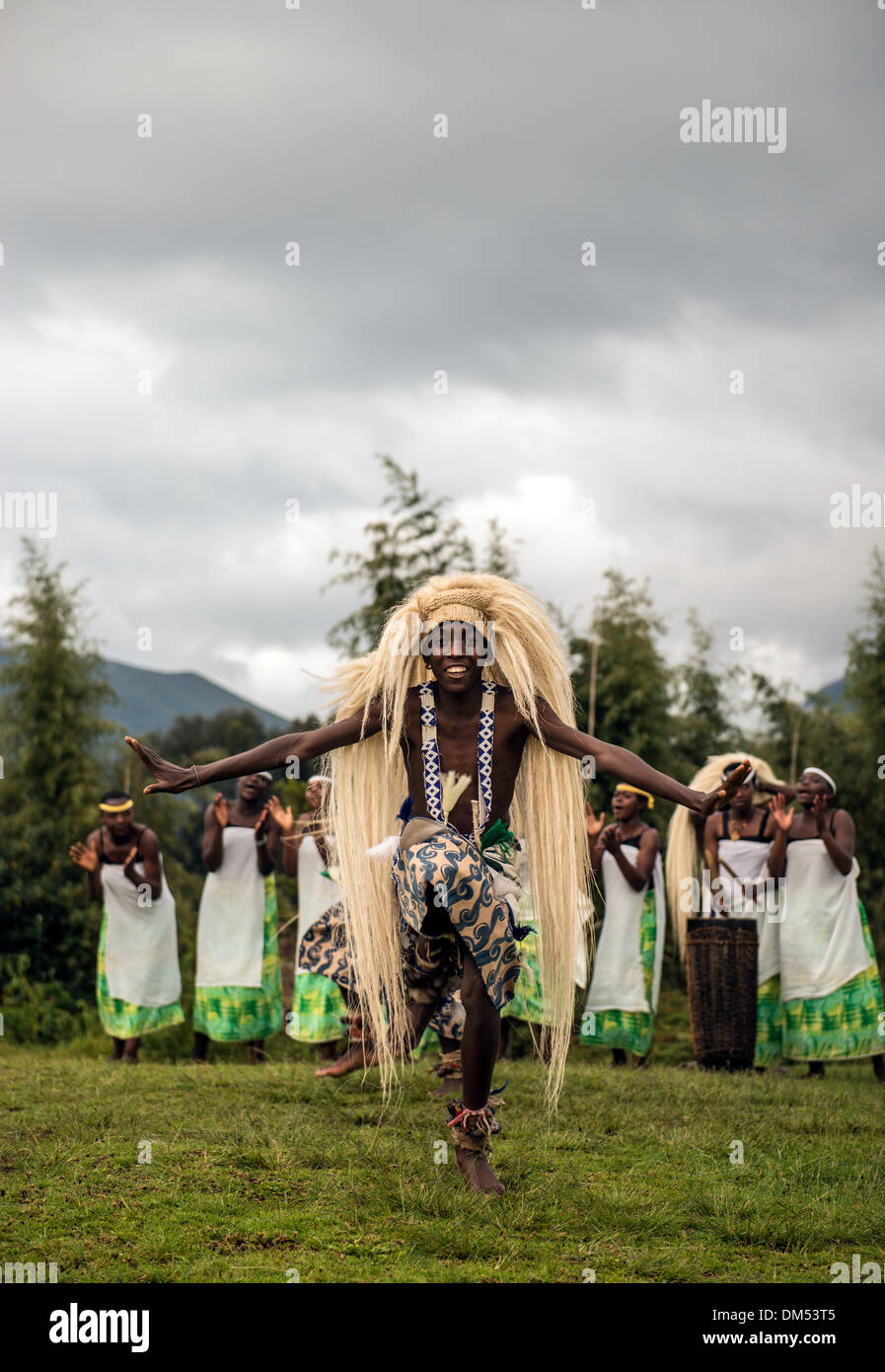 Traditional African dancers Volcanoes National Park Rwanda Africa - Stock Image