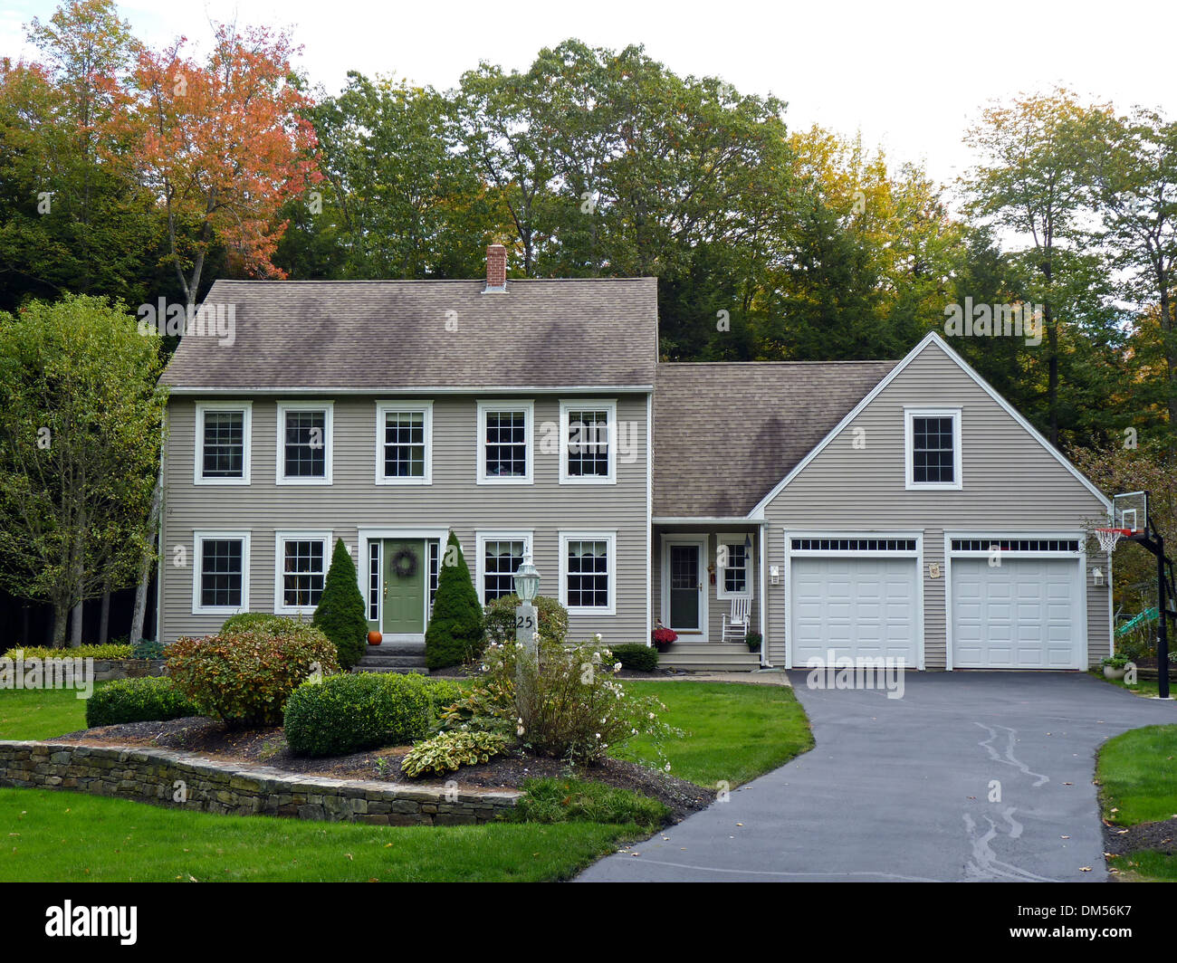 Cape Cod Style House In New Gloucester Me Usa Stock Photo