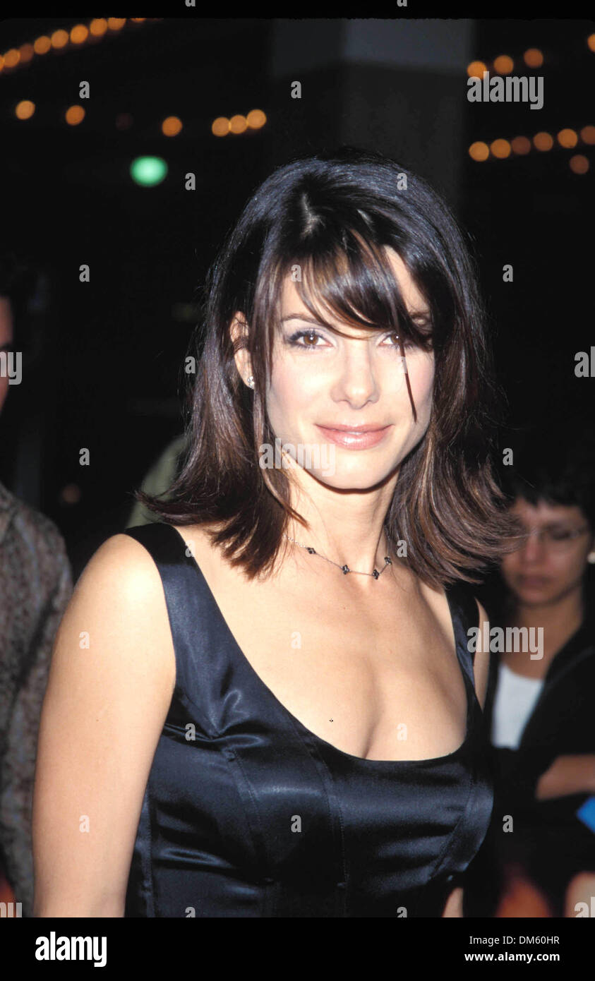 Oct. 13, 1998 - K13653FB.PRACTICAL MAGIC PREMIERE IN LOS ANGELES 10-13-1998.SANDRA BULLOCK. FITZROY BARRETT-  PHOTOS(Credit Image: © Globe Photos/ZUMAPRESS.com) - Stock Image