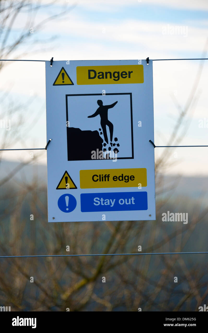 'Danger Cliff edge Stay out', Kendal Quarry, Kendal, Cumbria, England, United Kingdom, Europe. - Stock Image