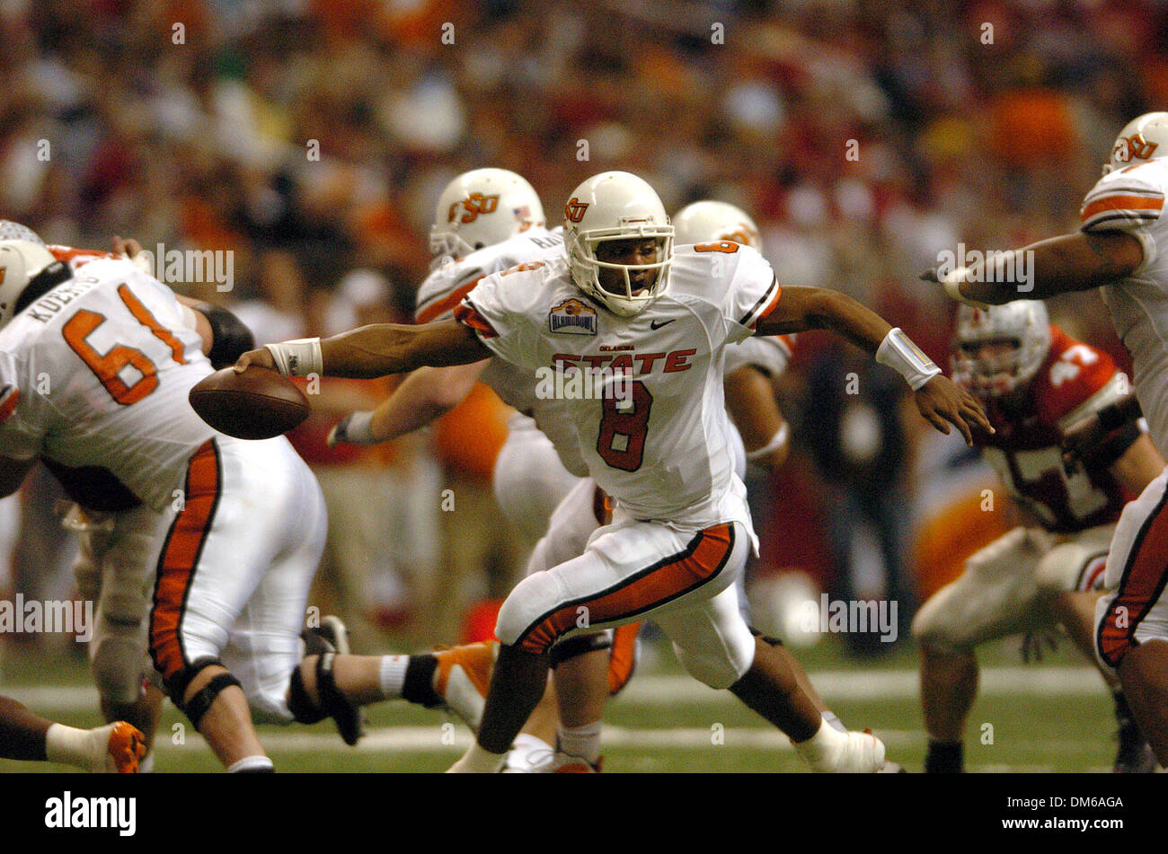 Dec 29, 2004; San Antonio, TX, USA; NCAA Football - Oklahoma States' QB Donovan Woods during the 2004 MasterCard Alamo Bowl at the Alamo dome in San Antonio. - Stock Image