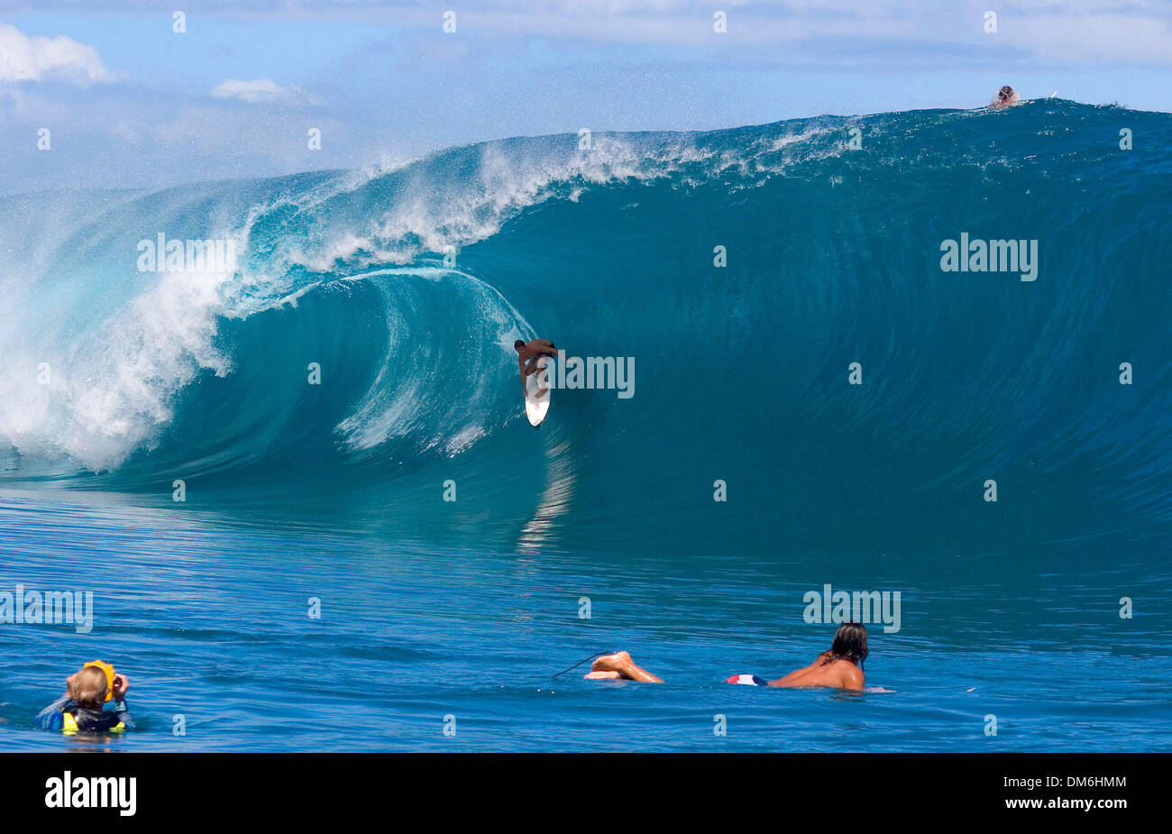 May 03, 2005; Teahupoo, Tahiti, Tahiti; Hawaiian IAN WALSH rides a 10ft wave at Teahupoo. Walsh enjoyed one of the most perfect days of surf at Teahupoo amongst a host the best surfers in the world including reigning ASP three times world champion Andy Irons (Haw) and defending Billabong Pro Tahiti winner CJ Hobgood (USA). The Billabong Pro, Teahupoo is the third WCT event on the 2 - Stock Image