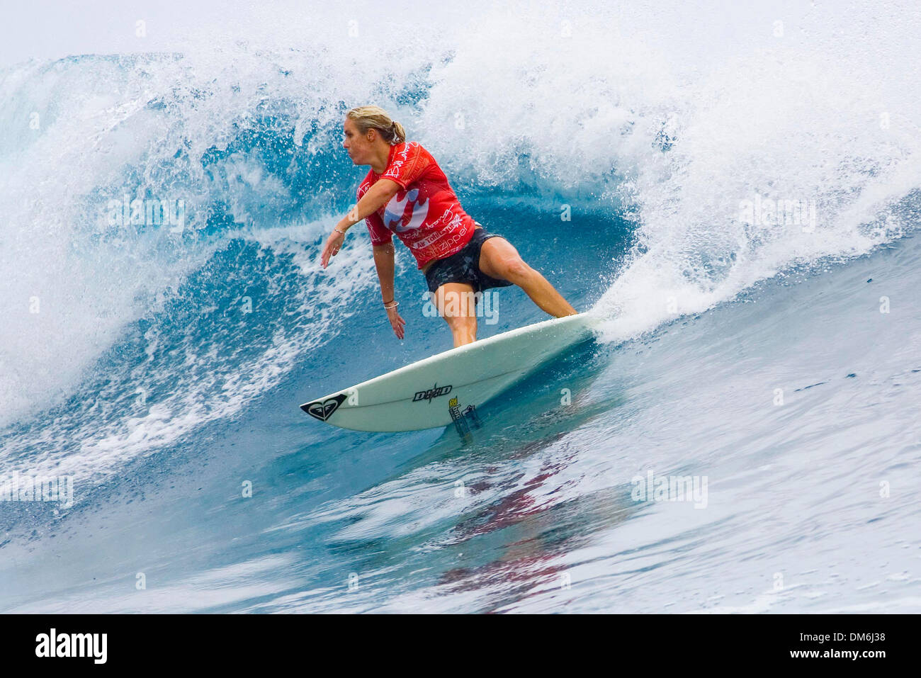 May 09, 2005; Teahupoo, TAHITI; CHELSEA GEORGESON (Gold Coast, Aus) eliminated Rochelle Ballard (Haw) in the quarter finals and defending Billabong Pro champion and reigning world champion Sofia Mulanovich (Peru) in the semi finals at the Billabong Pro Tahiti. Georgeson advanced to the finals that are expected to be surfed later. Presently the event is on hold, with only 2 heats re - Stock Image