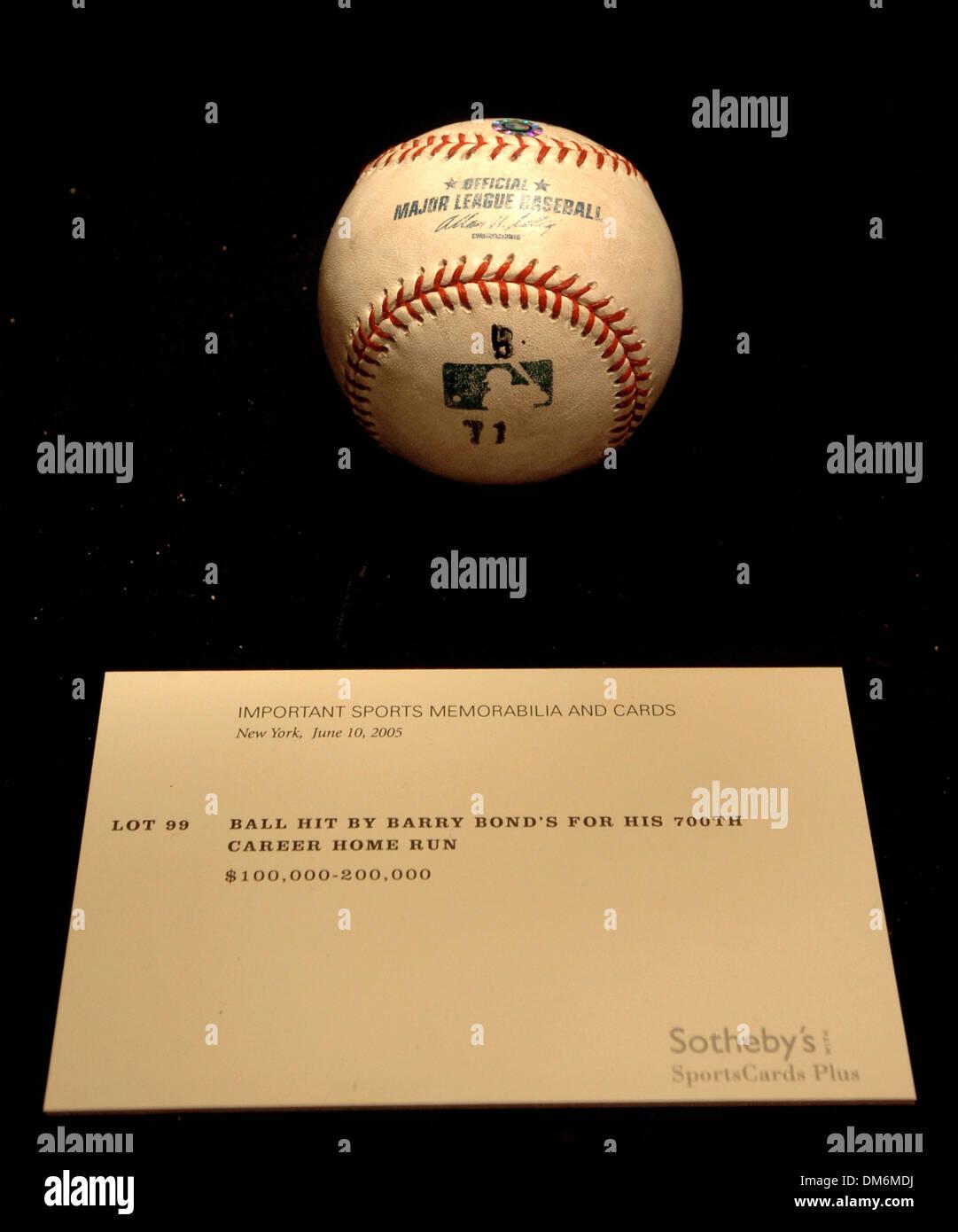Jun 03 2005 New York Ny Usa Barry Bonds 700th Home Run Baseball