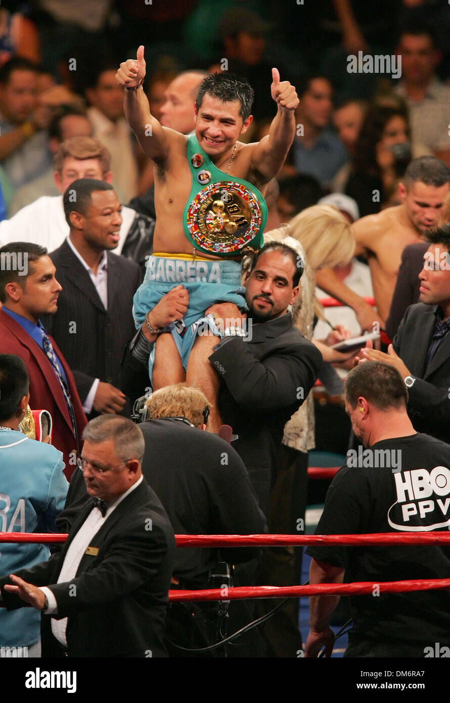 Sep 17, 2005; Las Vegas, NV, USA; BOXING: WBC World Super Featherweight Champion MARCO ANTONIO BARRERA defeats Robbie Peden to unify The WBC and IBF title. Barrera is promoted by Oscar De La Hoya's Golden Boy Promotions. Mandatory Credit: Photo by Rob DeLorenzo/ZUMA Press. (©) Copyright 2005 by Rob DeLorenzo - Stock Image