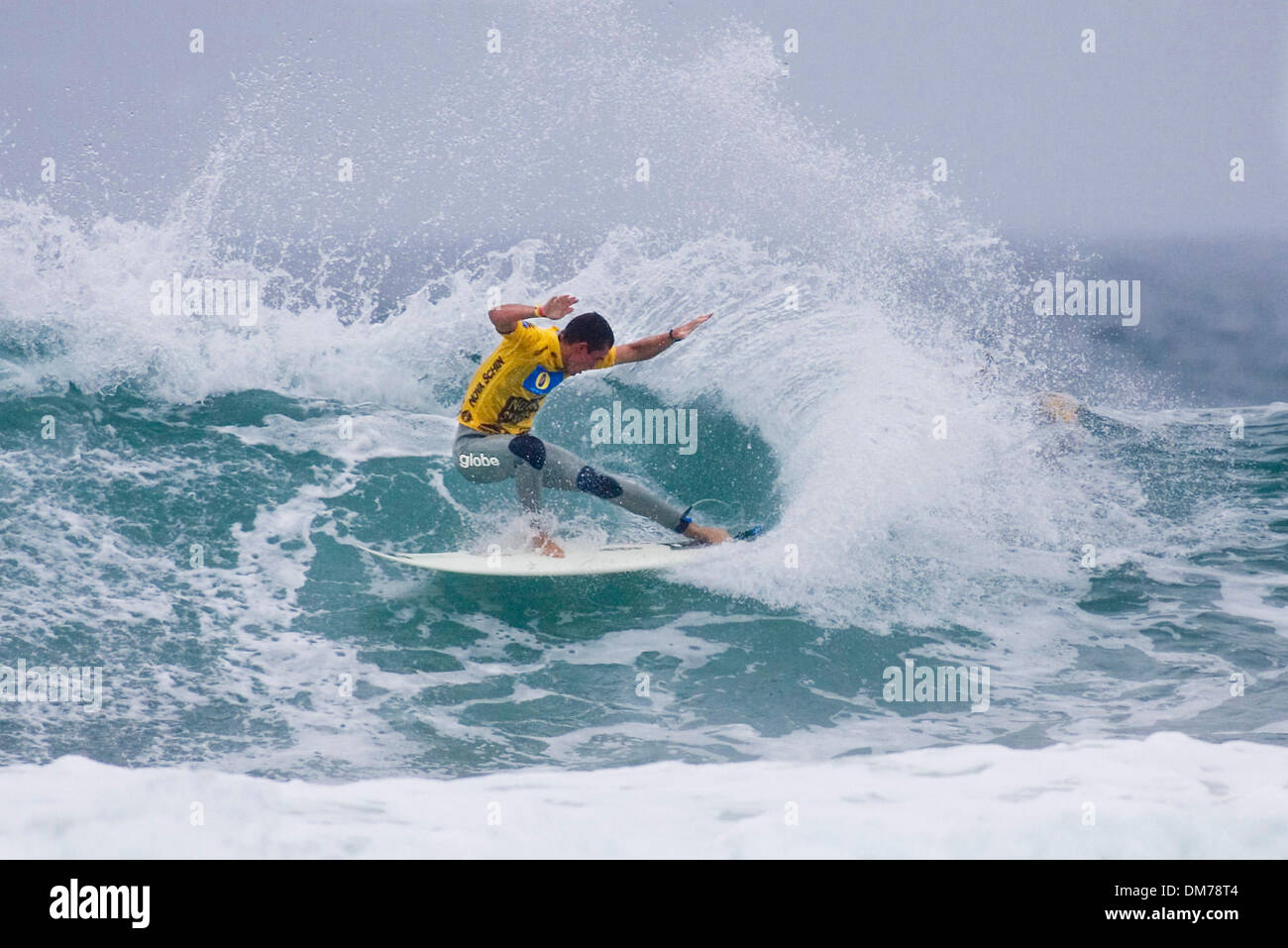 Nov 06, 2005; Florianopolis, Santa Catarina, BRAZIL; KIRK FLINTOFF (Sydney, NSW, Aus) scored a convincing victory in round one of the Nova Schin Festival Presented by Billabong at Imbituba, Brazil today. Flintoff advanced to round three, sidelining Brazilian's Renan Rocha and Peterson Rosa to the losers round. The Nova Schin Brazil is the tenth of 12 events on the 2005 Foster's Men - Stock Image