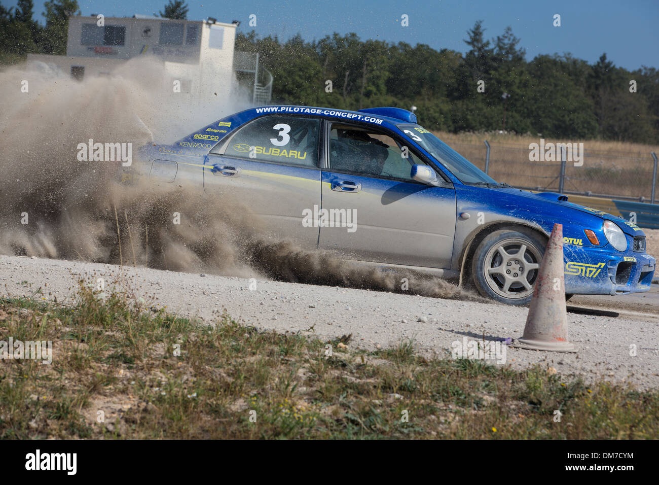 CAR BRAKING ON A GRAVEL TRACK, PRO'PULSION, DRIVING COURSES ON A RACE TRACK, DREUX, EURE-ET-LOIR (28), FRANCE - Stock Image