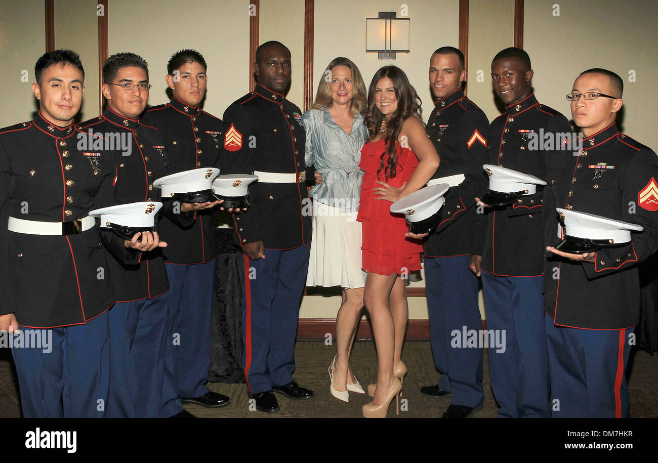 Assemblywoman Betsy Butler Raquel Castaneda with US Marine Corp  Stonewall Young Democrats 6Th Annual Hero Awards Stock Photo