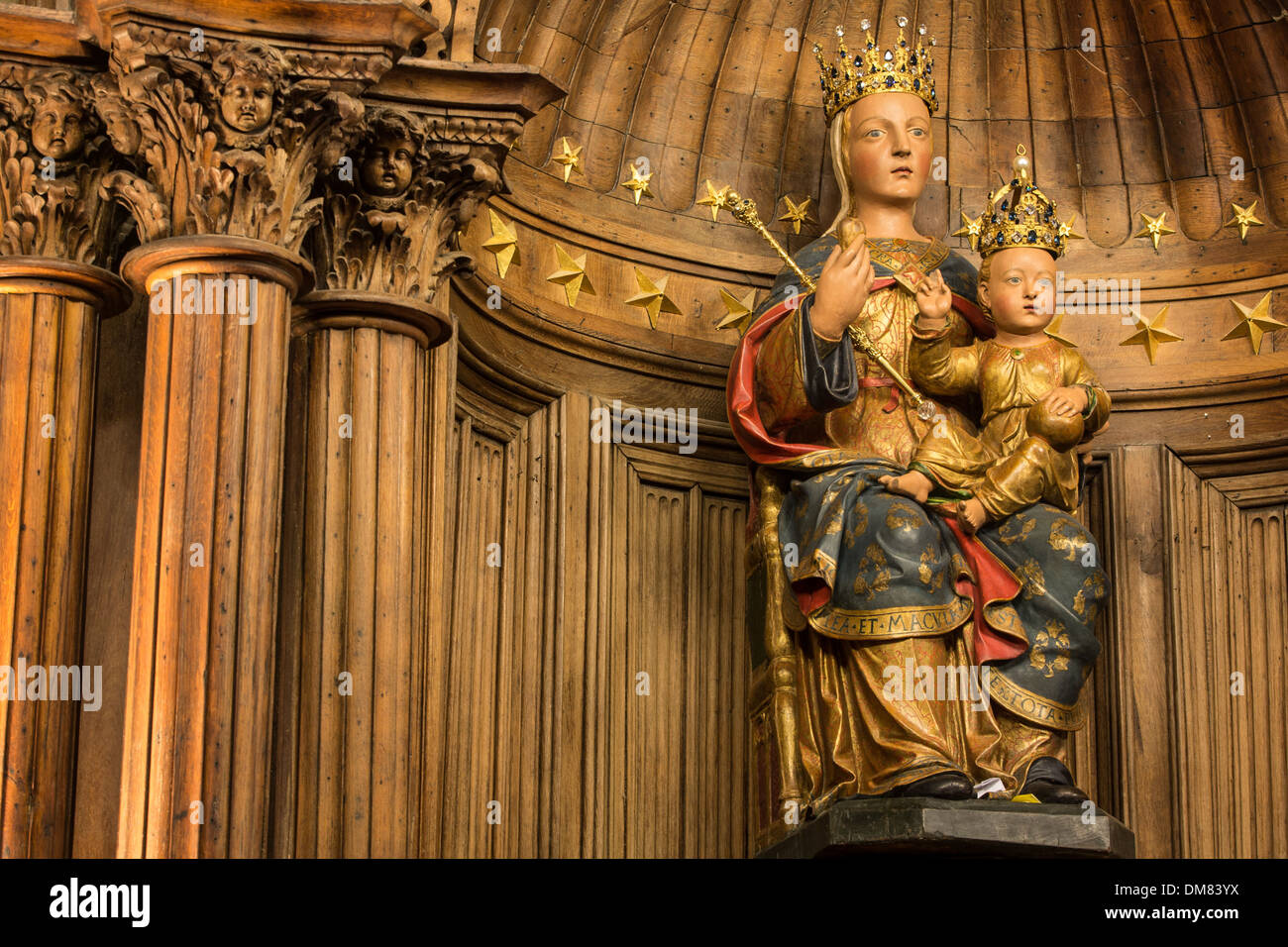 NOTRE-DAME DU PILIER, 16TH CENTURY POLYCHROME STATUE MADE OF PEAR TREE WOOD, GIVEN A CROWN IN 1855, (CALLED THE BLACK VIRGIN BEFORE ITS RESTORATION), CHARTRES CATHEDRAL, EURE-ET-LOIR (28), FRANCE - Stock Image