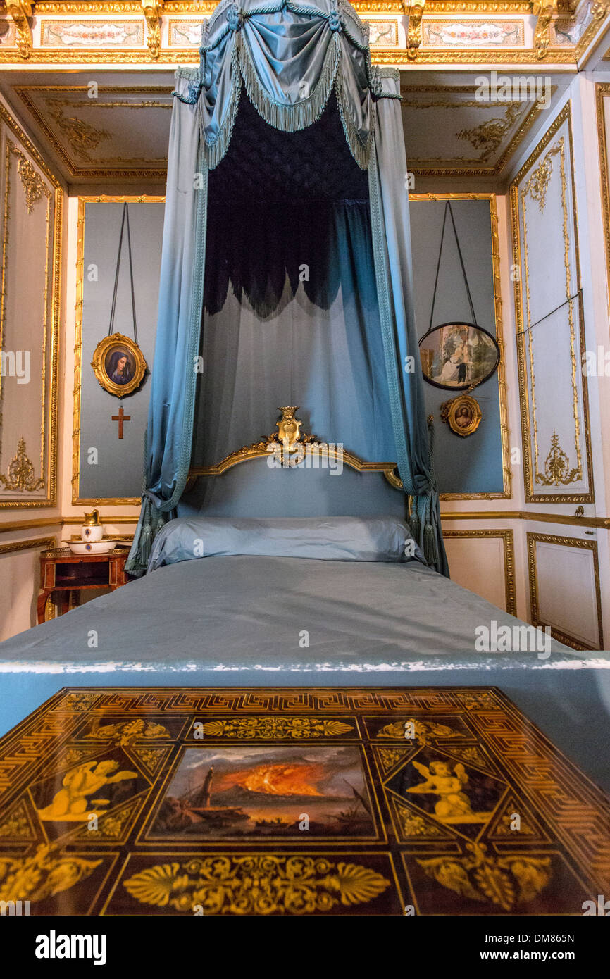 BEDROOM OF THE DUCHESS D'AUMALE (1822-1869), SMALL APARTMENTS CREATED IN 1845 AND 1846 BY THE PAINTER AND DECORATOR EUGENE LAMI, CHATEAU DE CHANTILLY, OISE (60), FRANCE - Stock Image