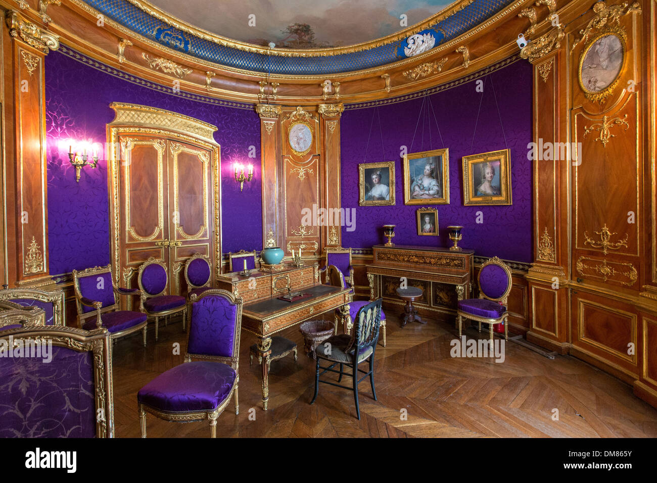 BOUDOIR OF THE DUCHESS D'AUMALE (1822-1869) OR VIOLET SALON, SMALL APARTMENTS CREATED IN 1845 AND 1846 BY THE PAINTER AND DECORATOR EUGENE LAMI, CHATEAU DE CHANTILLY, OISE (60), FRANCE - Stock Image
