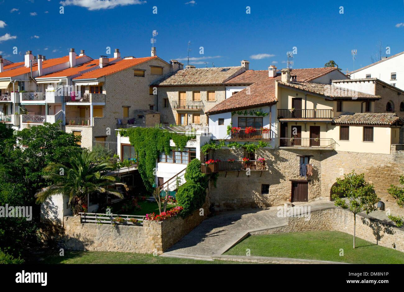 Puente La Reina is a Basque town along the Way of St. James pilgrimage route, Navarra, Spain. - Stock Image