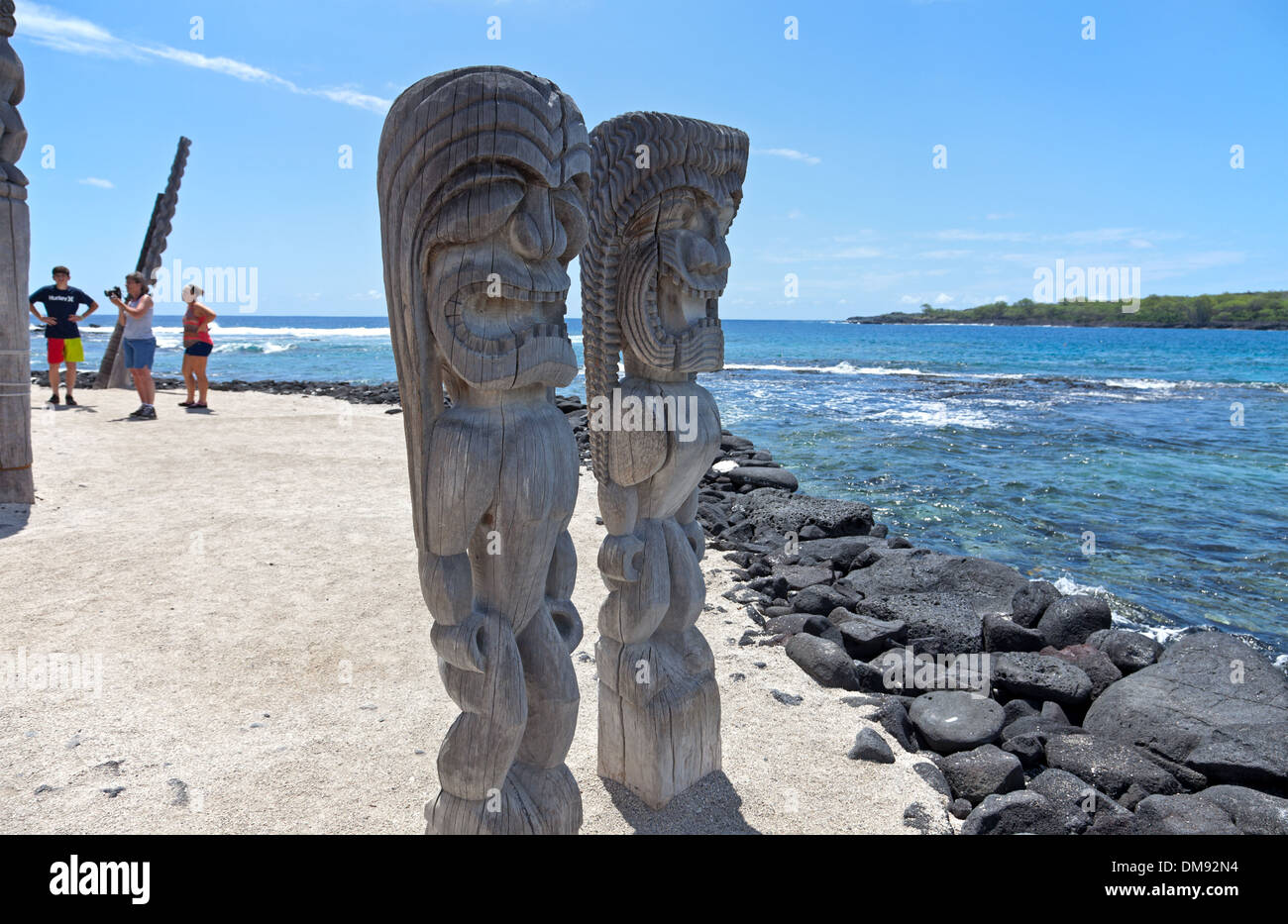 Kona Coast: Pu'uhonua o Honaunau National Historical Park - Ki'i tikis guard the Hale o Keawe. Editorial use only. - Stock Image
