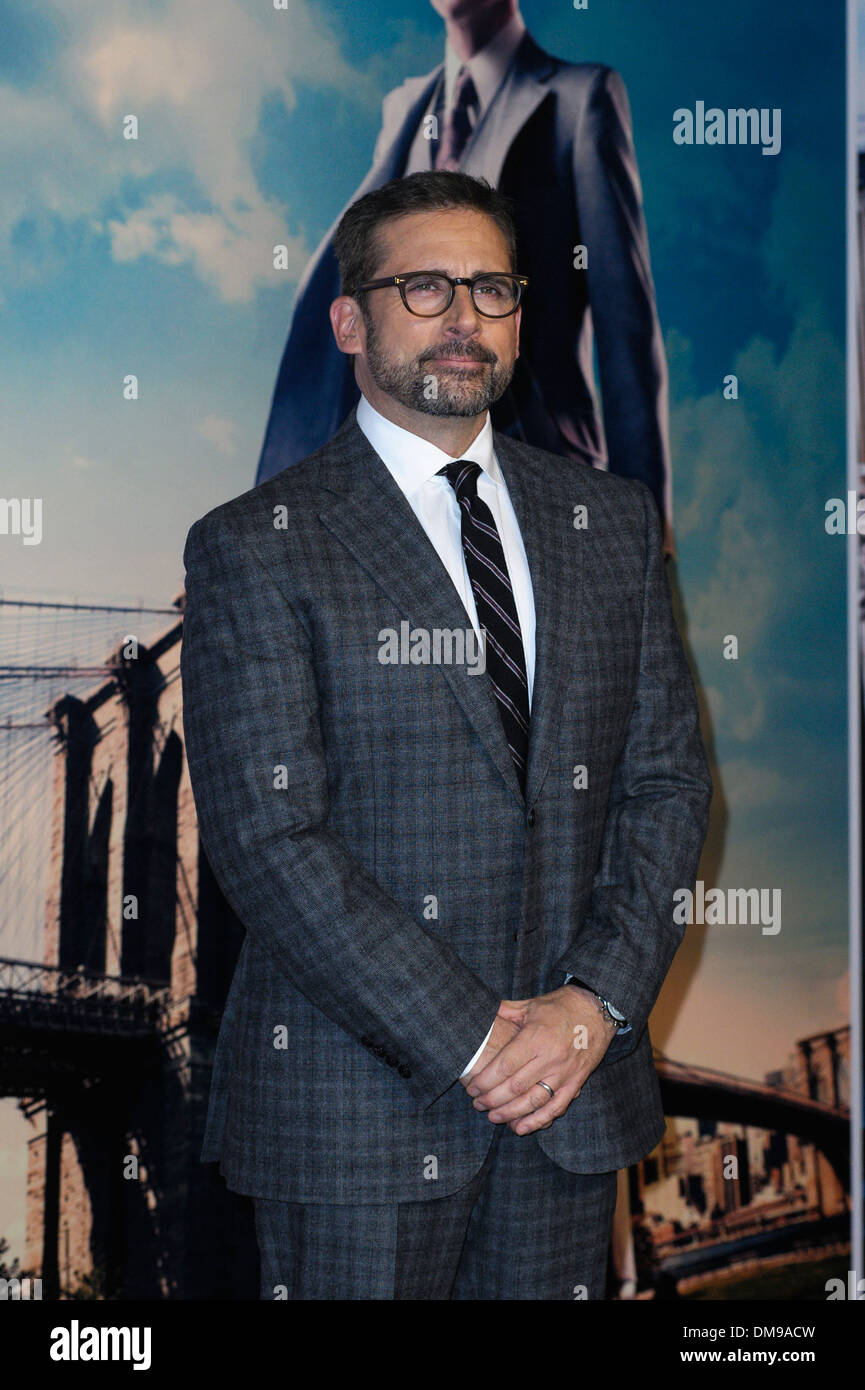Steve Carell attends the UK Premiere of Anchorman 2: The Legend Continues on 11/12/2013 at VUE Leicester Square, London. Persons pictured: Steve Carell. Picture by Julie Edwards - Stock Image