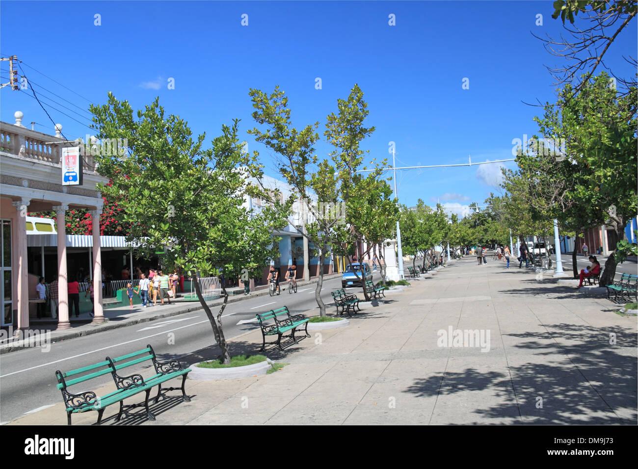 Calle 37 aka paseo del prado cienfuegos cienfuegos for Calle prado camacho 8