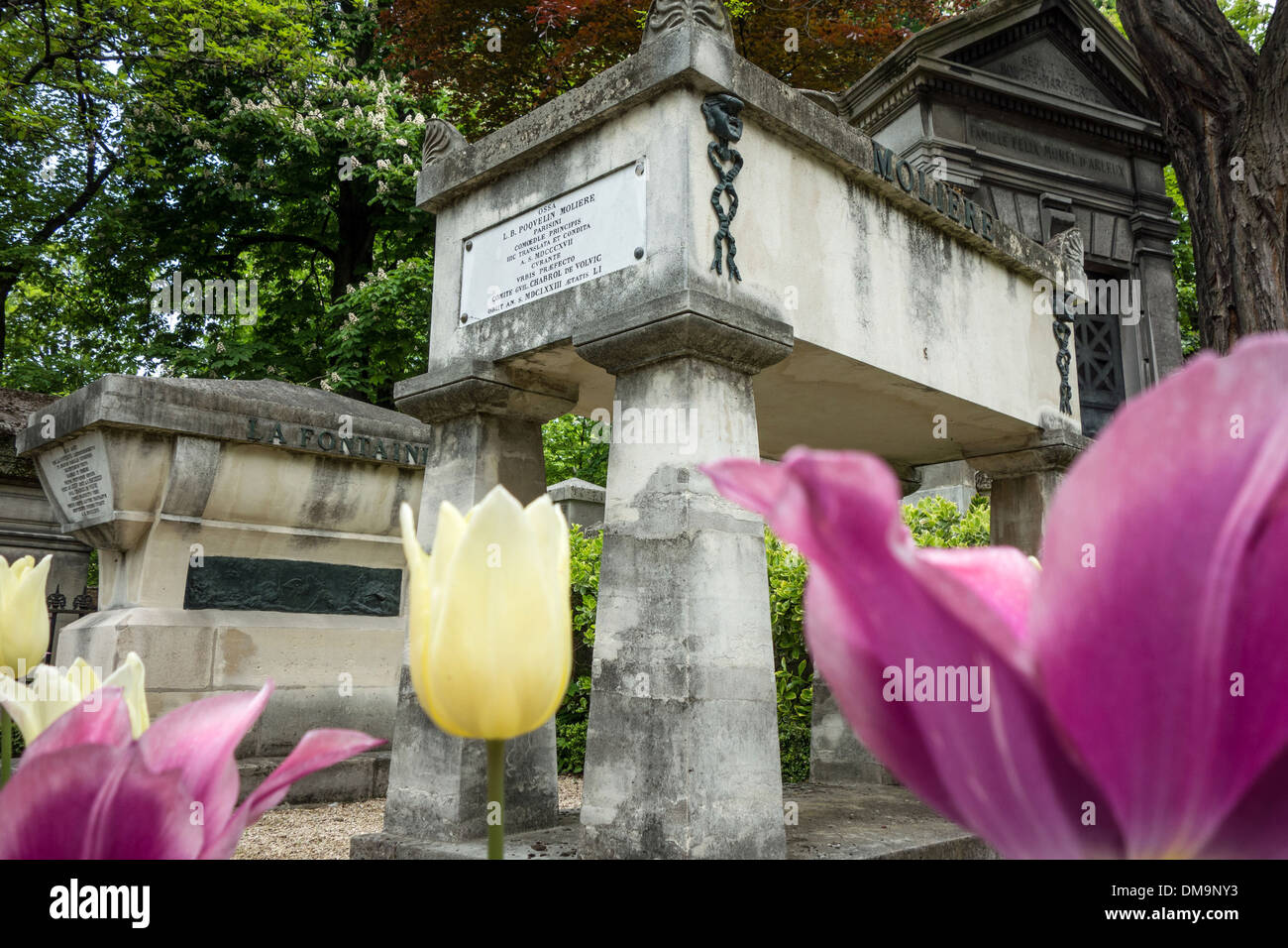 TOMBS OF THE GRAVES FOR THE PLAYWRIGHT AND ACTOR JEAN-BAPTISTE POQUELIN, CALLED MOLIERE, AND THE WRITER JEAN DE LA FONTAINE, PERE-LACHAISE CEMETERY, PARIS 20TH ARRONDISSEMENT, FRANCE - Stock Image