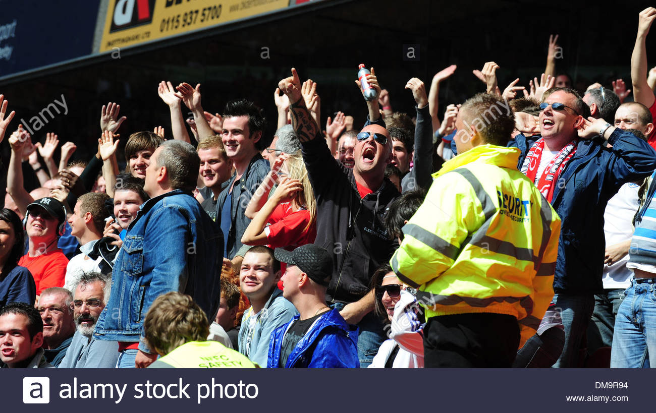 Supporters taunt each other..Coca Cola Championship..Nottingham Forest v Derby County..29th August, 2009.(Credit Stock Photo