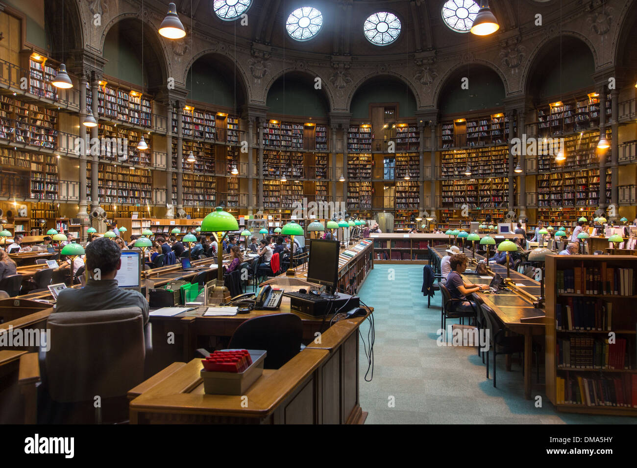 READING ROOM IN THE BIBLIOTHEQUE NATIONALE, THE BIGGEST LIBRARY IN FRANCE, RUE RICHELIEU, PARIS (75), FRANCE - Stock Image