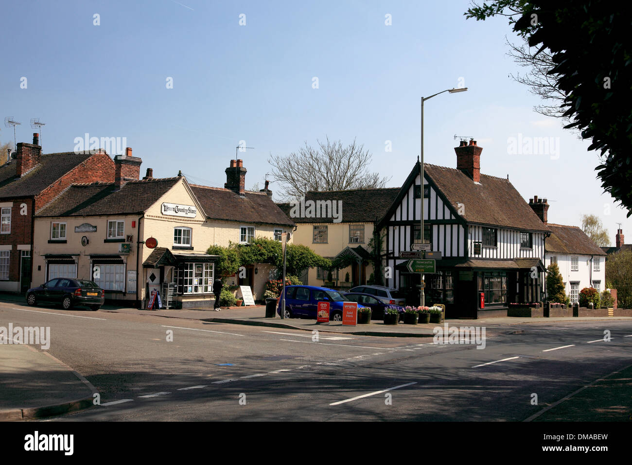 The village shop and post office in the centre of Woore, Shropshire on the border with Cheshire - Stock Image