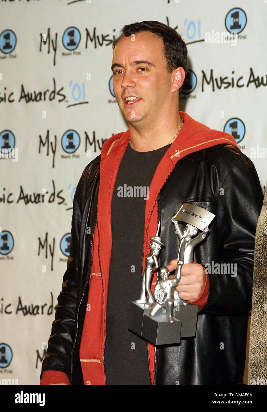 Dec. 2, 2001 - Los Angeles, CALIFORNIA, USA - DAVE MATTHEWS.MY VH 1 AWARDS.SHRINE AUDITORIUM, LOS ANGELES, CA.DECEMBER Stock Photo