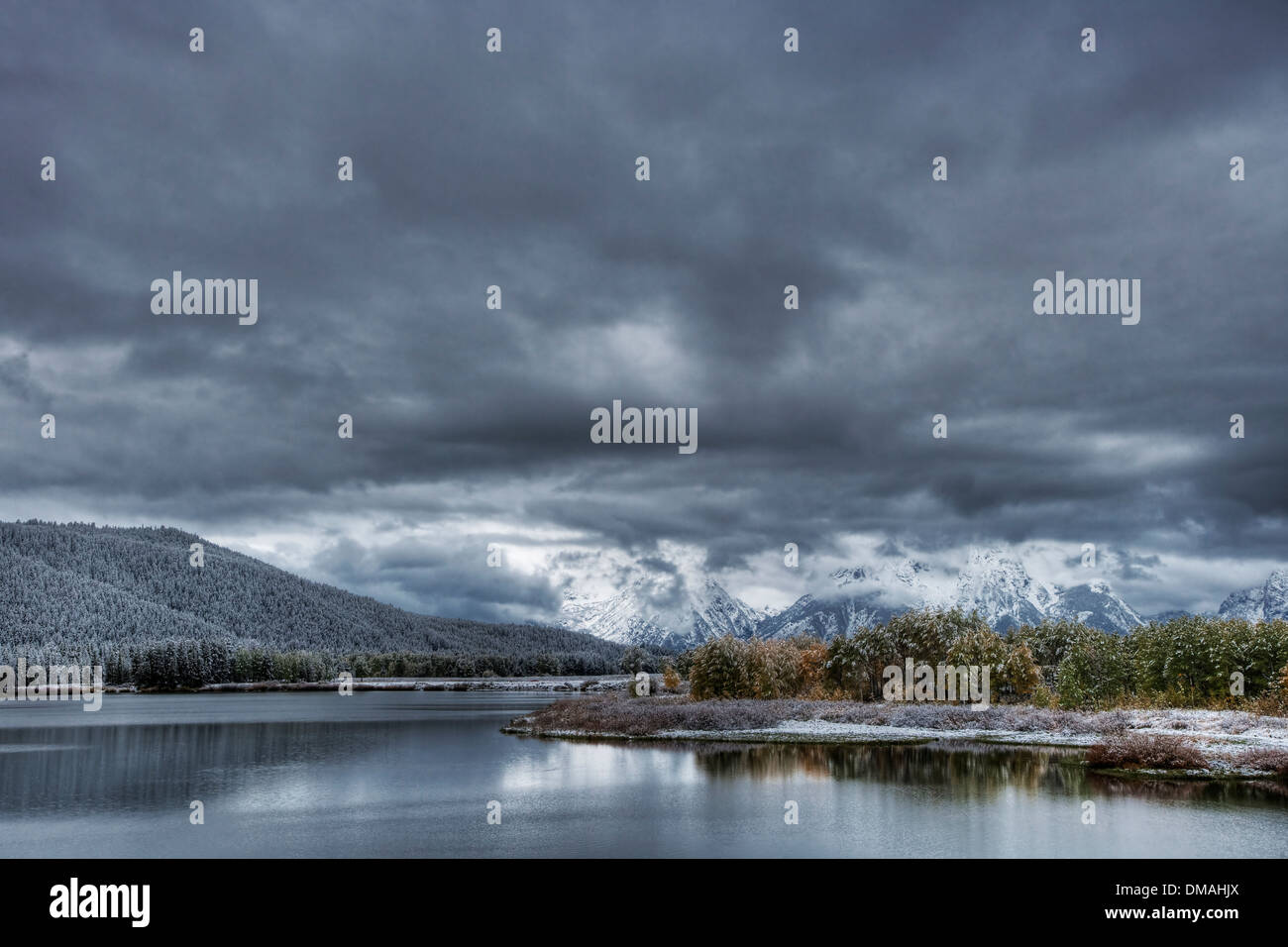 Oxbow Bend with Autumn (Fall) colour and early snow Grand Tetons National Park Wyoming. USA LA006557 - Stock Image
