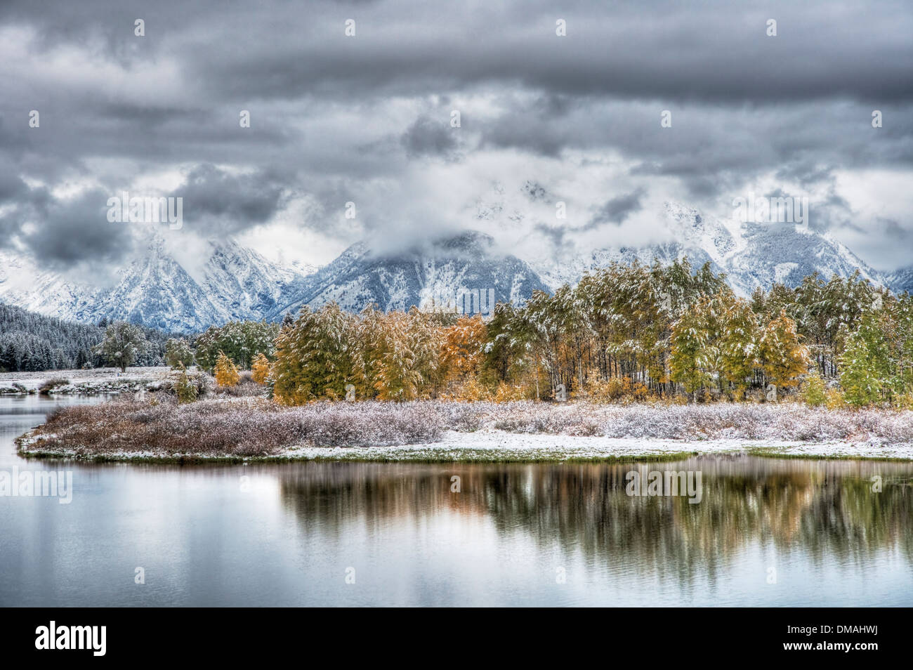 Oxbow Bend with Autumn (Fall) colour and early snow Grand Tetons National Park Wyoming. USA LA006577 - Stock Image