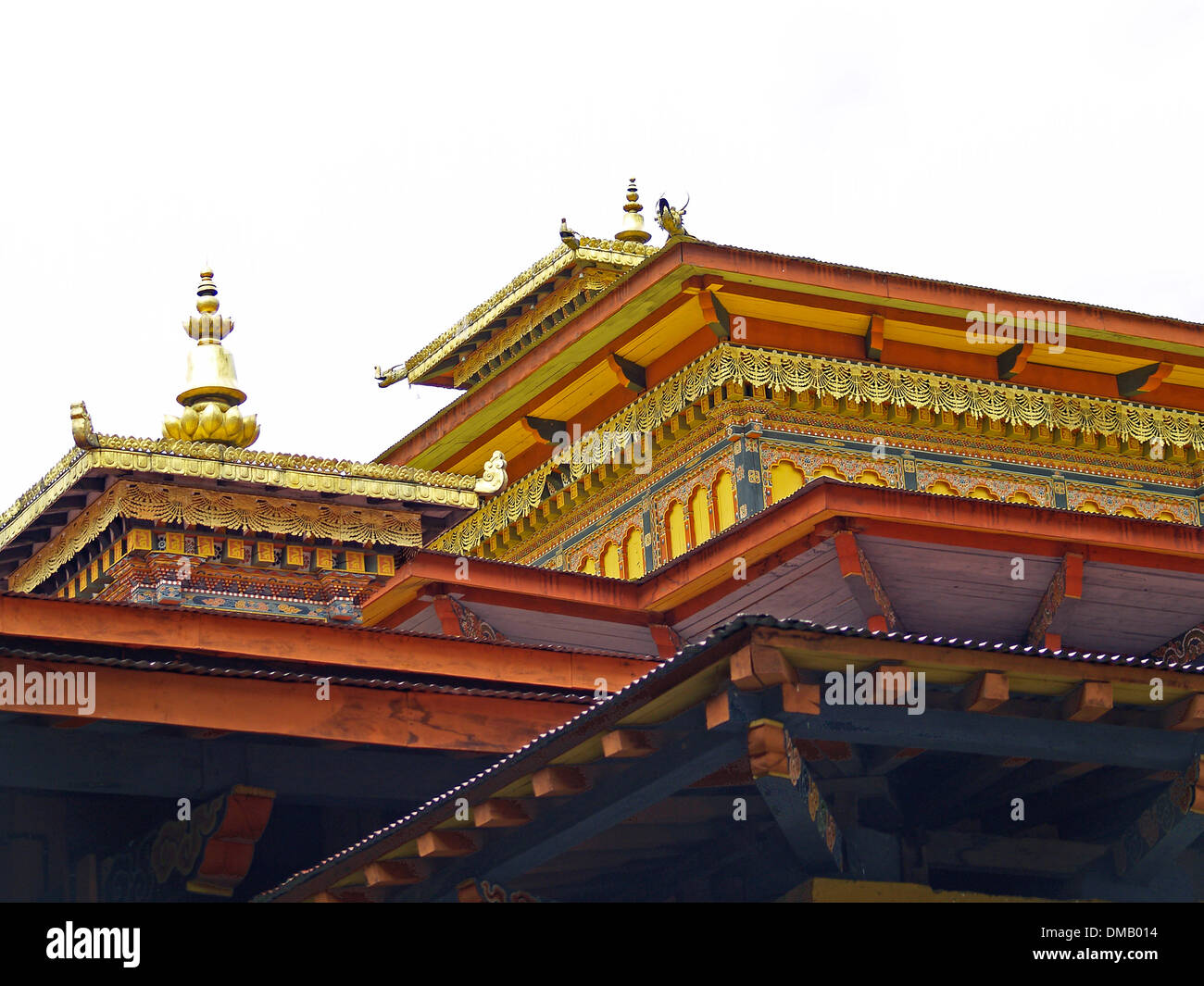 The gilded roof line of the Punakha Dzong,Bhutan - Stock Image
