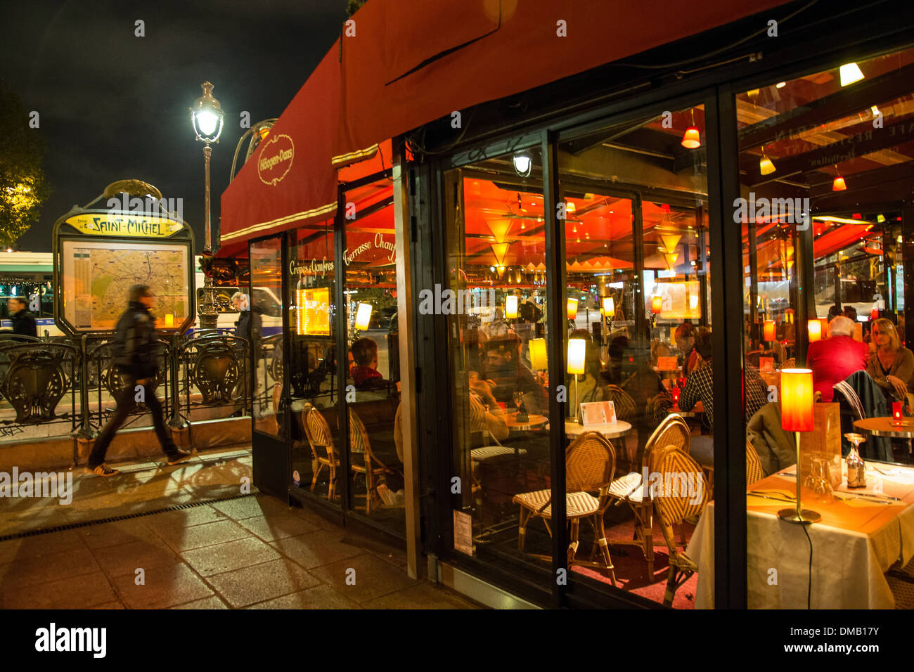 Lively nighttime ambiance cafe le depart saint michel and - Metro saint michel paris ...