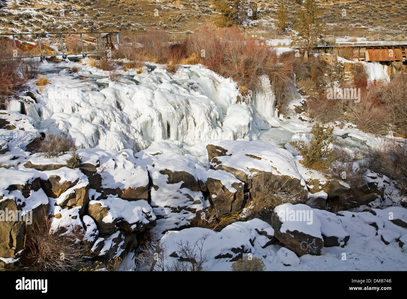 Clines Falls on the Deschutes River in central oregon, nearly frozen solid in mid-December Stock Photo