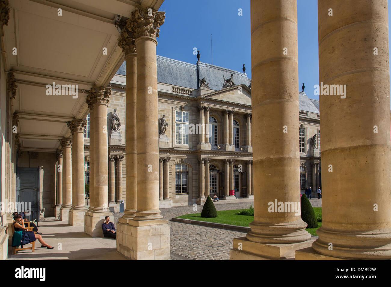 THE HOTEL DE SOUBISE HOUSES THE NATIONAL ARCHIVES, 3RD ARRONDISSEMENT, PARIS (75), ILE-DE-FRANCE, FRANCE - Stock Image