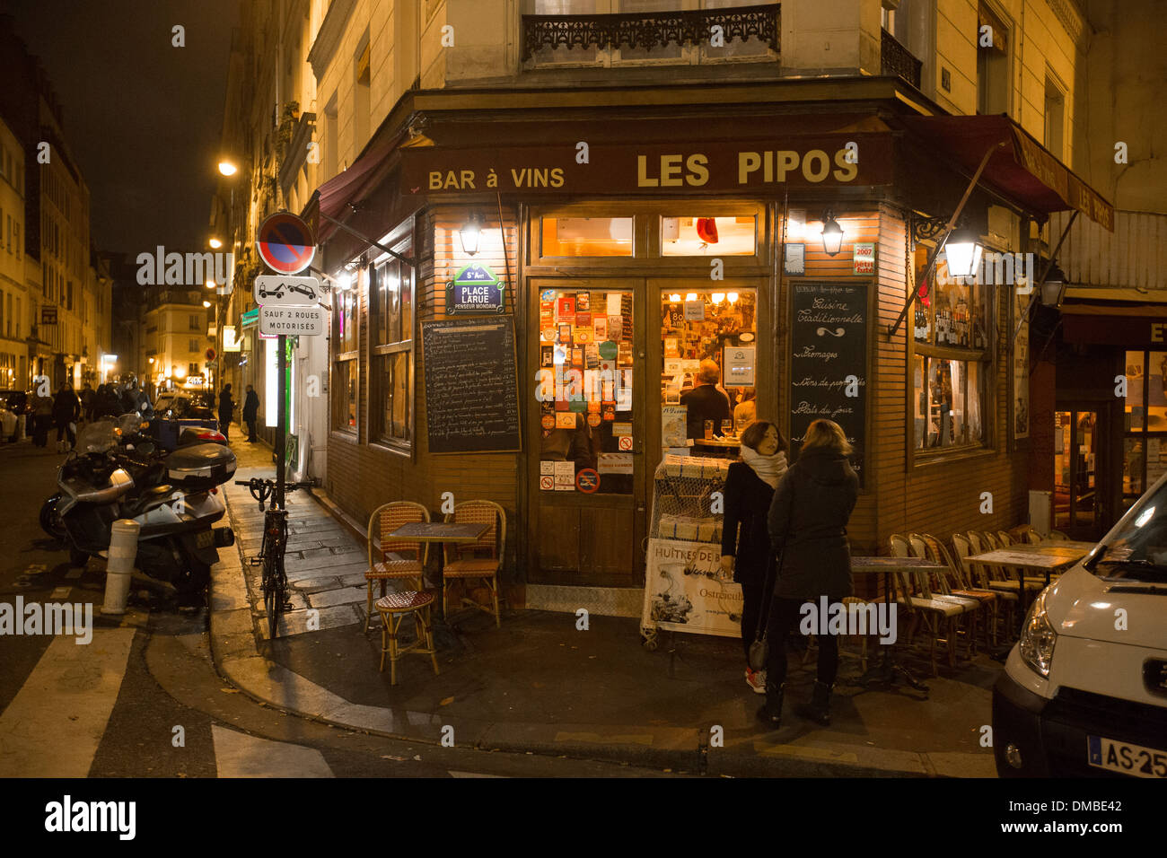 les pipos wine bar in place larue in paris france stock photo 64176786 alamy. Black Bedroom Furniture Sets. Home Design Ideas