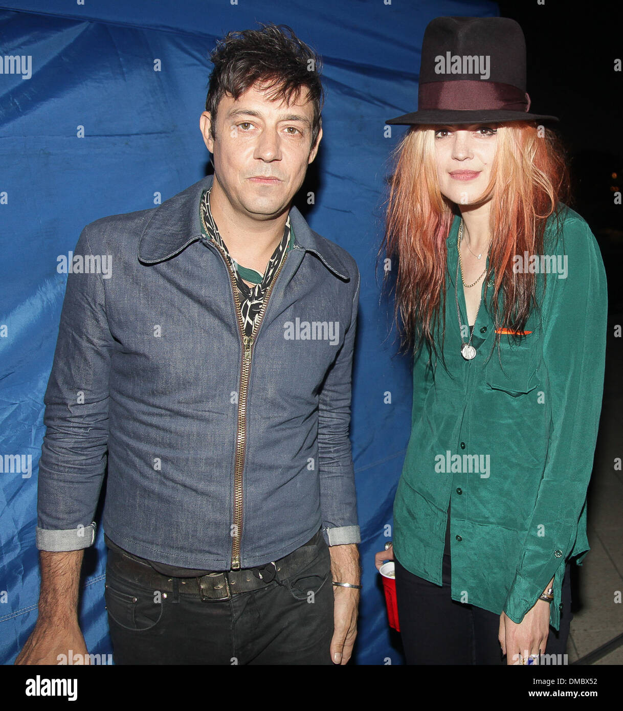 Disciplinario eso es todo Industrial  Jamie Hince and Alison Mosshart of Kills Converse City Carnage Music Stock  Photo - Alamy