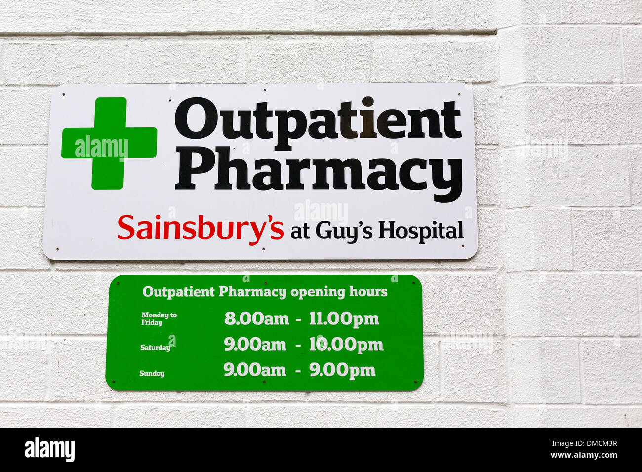 Nhs Pharmacy Sign Stock Photos & Nhs Pharmacy Sign Stock Images - Alamy