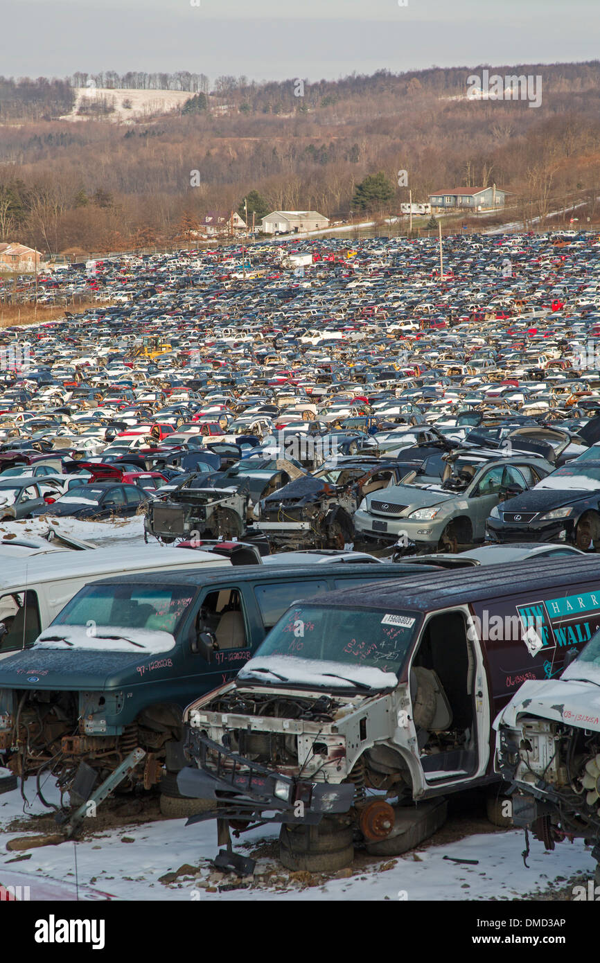 Stoystown Auto Wreckers >> Auto Junkyard Stock Photos Auto Junkyard Stock Images Alamy